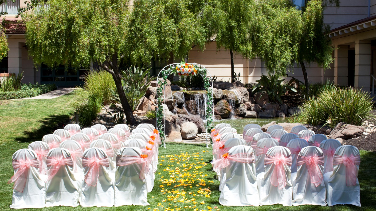 Advantages Of The Outdoor Wedding Reception: Sheraton San Jose Hotel
